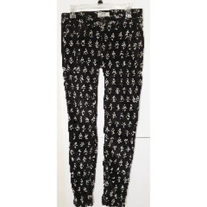 Free People Light Cordoroy Black/ Flowers Size 28